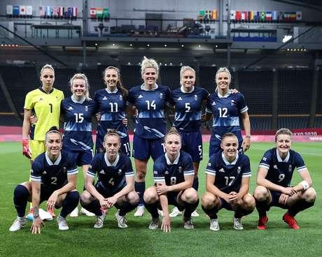 Time feminino da Grã Bretanha antes da partida de quarta-feira Reprodução Instagram @lucybronze