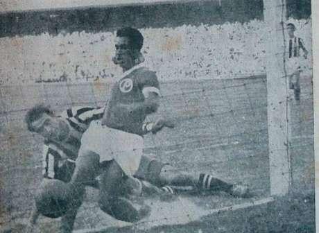 Momento exato do gol de Liminha, que carimbou a conquista da Copa Rio de 1951 (Foto; Divulgação/Palmeiras)