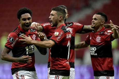 Flamengo goleou o Defensa y Justicia no Mané Garrincha (Foto: Staff Images/CONMEBOL)