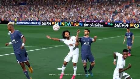 Jogo aéreo terá melhorias em FIFA 22