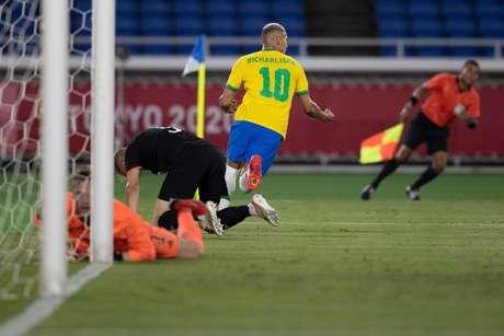 Richarlison fez três gols e foi o dono do jogo contra a Alemanha nesta quinta-feira Lucas Figueiredo/CBF
