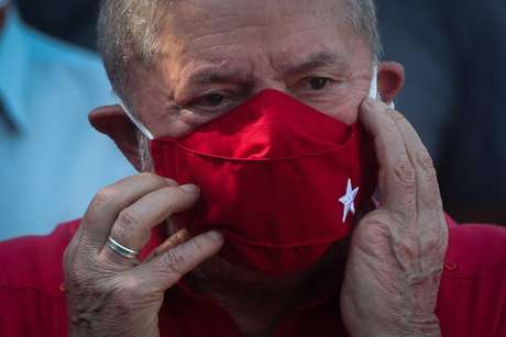Lula lidera pesquisas para eleições de 2022