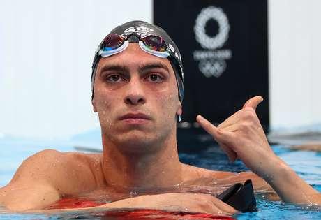 Fernando Scheffer comemora classificação na piscina neste domingo na Olimpíada Kai Pfaffenbach/Reuters