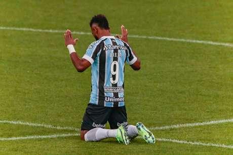 Grêmio vence a Chapecoense por 2 a 1