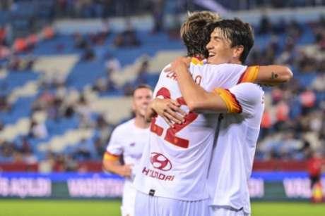 La Roma in vantaggio nell'esordio di Mourinho (Immagine: Pubblicità/Roma)