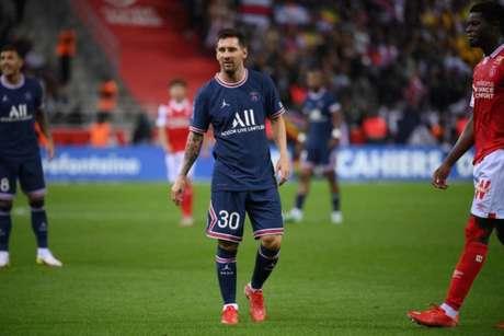 Inimigo do entretenimento', internautas reclamam de Pochettino em estreia  de Messi no PSG