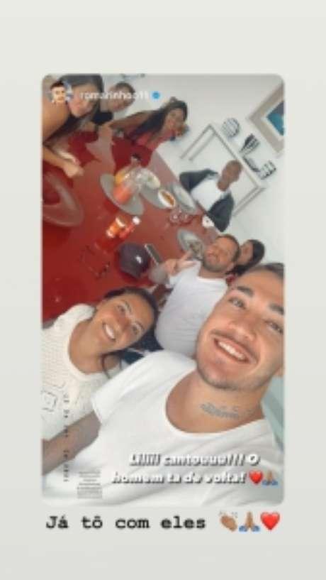 Story de Romarinho compartilhado por Romário mostrando a volta do tetracampeão mundial para casa (Reprodução / Instagram)