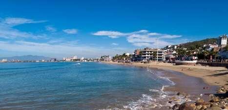 Puerto Vallarta foi cenário de romance de bispo; veja fotos