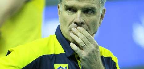 """""""Fomos dominados por uma equipe melhor"""", diz Bernardinho"""