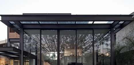 'Miniprédio', casa de 5 andares em SP tem academia completa