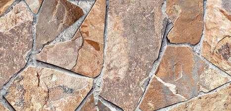 Cerâmica e adesivo em alta definição imitam pedra e madeira