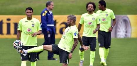 Seleção Brasileira faz treino; Felipão mantém mistério