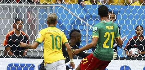 Veja fotos de Brasil x Camarões