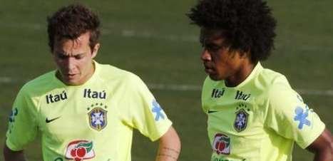 Bernard joga, e Felipão mantém esquema da Seleção