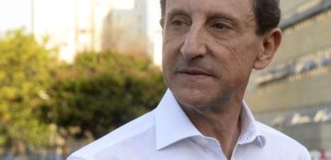 Skaf pede votos em palanque, mas nega se tratar de comício