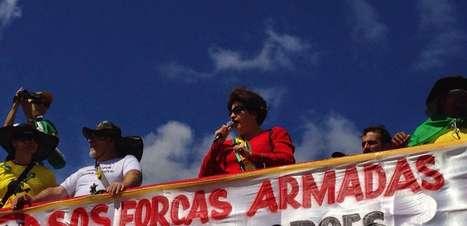 Protesto reúne 25 mil em Brasília e tem disputa entre grupos