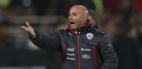 Apesar do empate decepcionante, Sampaoli vê melhora do Chile