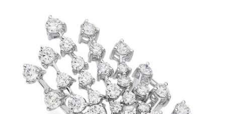 Bruna Marquezine usa decotão e joias, com look de R$ 193 mil