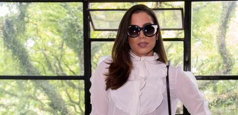 Anitta diz que compra roupas em camelôs fora do Brasil