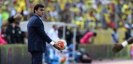 Equador demite técnico após campanha ruim nas Eliminatórias