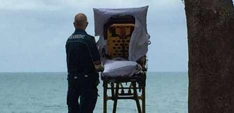 Paramédicos realizam último desejo de paciente terminal e a levam à praia