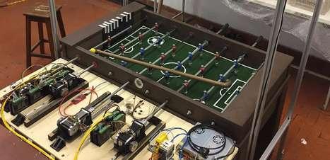 Alunos de Mauá criam mesa de pebolim que joga sozinha