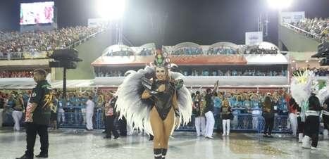 Carla Diaz e Fernando, dupla de Sorocaba, são flagrados