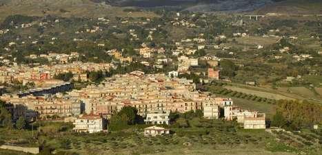 Cidade que ofereceu casas a 1 euro recebe novos moradores