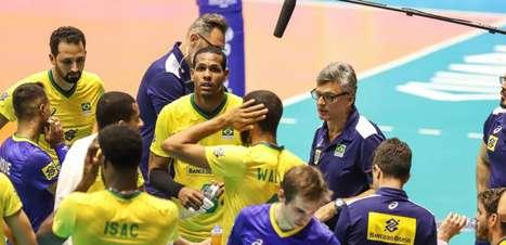 Seleção masculina de vôlei viaja neste domingo para a disputa da Copa do Mundo