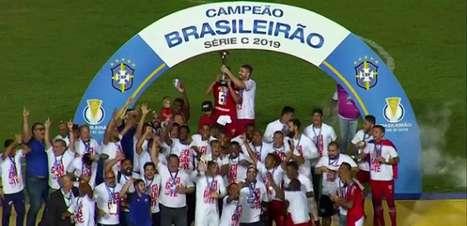 Náutico empata com o Sampaio Corrêa e é campeão da Série C