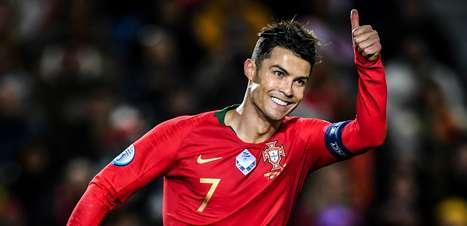 """Portugal e Lituânia """"salvam"""" Cristiano Ronaldo na hora certa"""