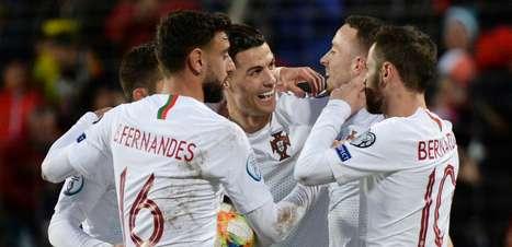 CR7 marca, Portugal bate Luxemburgo e se garante na Eurocopa
