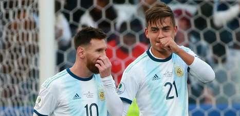 É difícil jogar com Messi? Uma máxima que até hoje Dybala precisa explicar