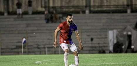 Kaio atinge marca pelo Paraná, avalia parceria com Carlos Dias e mira retorno do Paranaense