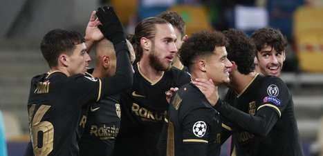 Barça goleia e se classifica; Juve vira com gol nos acréscimos