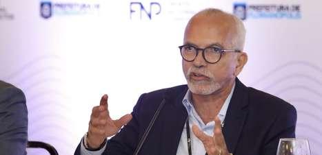 Edvaldo Nogueira, do PDT, é reeleito prefeito de Aracaju