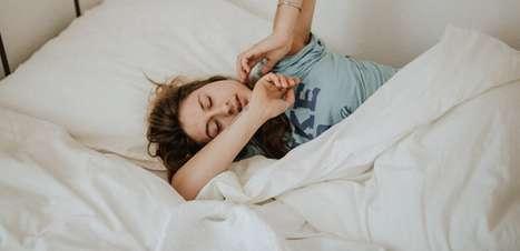 Por que acordamos com mau hálito pela manhã? Descubra!