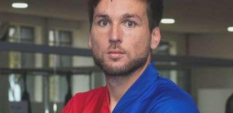 Volante Karl rescinde contrato com o Paraná