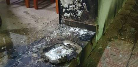 Sede de jornal e rádio é incendiada no interior de SP