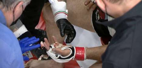 Imagens fortes: canadense perde dedo durante luta de MMA e se irrita quando juiz termina combate