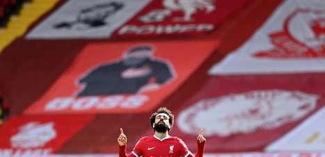 Liverpool vira nos acréscimos, se vinga e vence Aston Villa