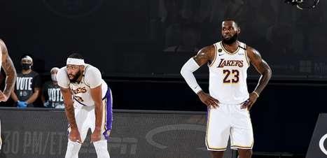 Lakers deverá ter LeBron e Davis em três semanas