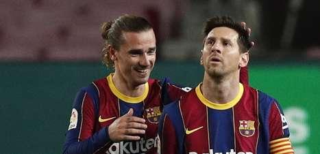 Messi faz 2, Barça goleia Getafe e ainda sonha com título