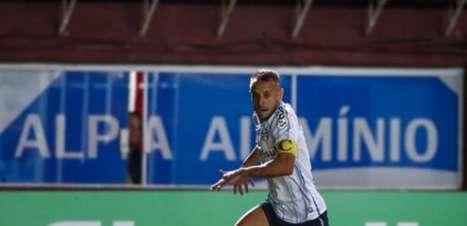 Tiago Nunes cogita utilizar Rafinha no meio-campo