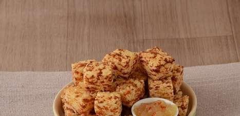 Receita prática de dadinho de tapioca com geleia de abacaxi com pimenta