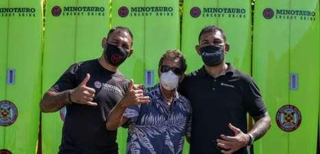 Minotauro Energy Drink e Rico de Souza doam pranchas para otimizar resgates nas praias de Saquarema