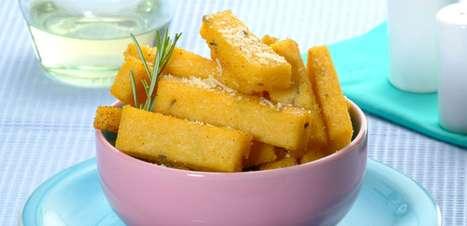 Polenta frita com alecrim: petisco fácil e delicioso