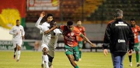 Jonny Mosquera lamenta derrota contra a Portuguesa, mas comemora 'fácil' adaptação no Oeste