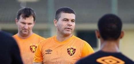 Umberto Louzer promete Sport com força máxima contra o Náutico