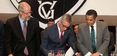 Comissão aceita denúncia contra ex-presidentes de poderes do Vasco; arquivada acusação contra Campello